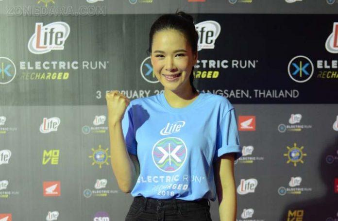 โบวี่ อัฐมา ร่วมแถลงข่าวเปิดตัว Life by SPONSOR Electric Run Thailand 2018