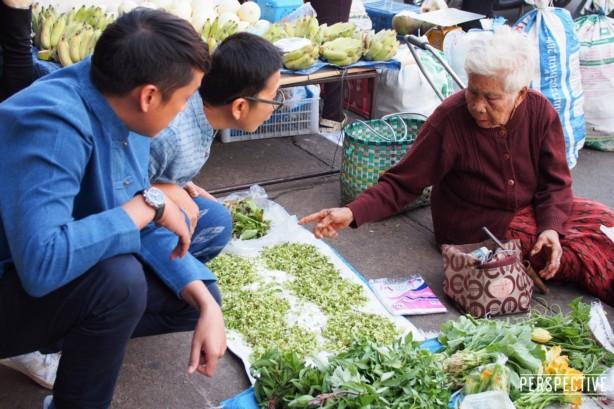 เปอร์ บุกแหล่งผลิตชุด แบรด พิตต์ ในเมืองไทย