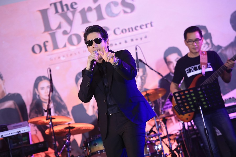 คอนเสิร์ต The Lyrics Of Love : Greatest Hits Of Dee Boyd