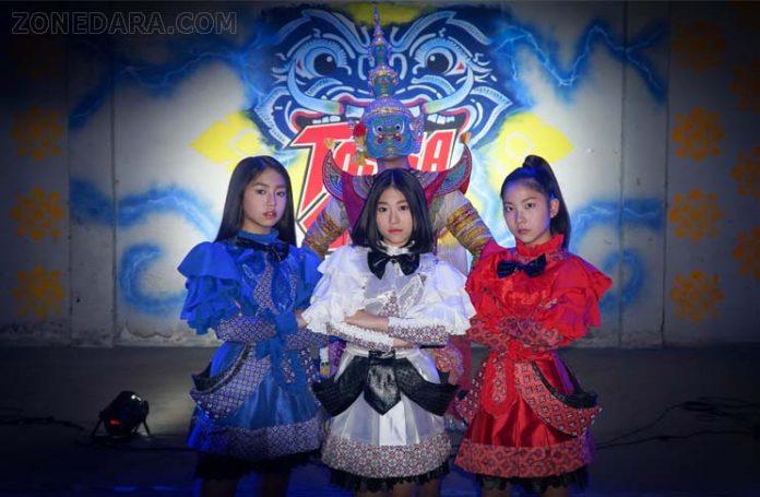 ลูกอมปีศาจ (Monster Candy) ระเบิดฟอร์ม ทศเกิร์ล (TOSSAGIRLS) เมทัลเกิร์ลกรุ๊ปเลือดไทยประสบความสำเร็จ